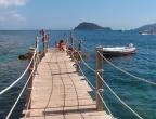 Cameo Islet - pomost prowadzący do morza przy plaży
