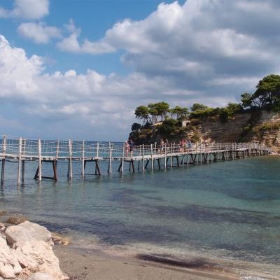 Cameo Islet - widok ze stałego lądu w kierunku wyspy