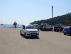 jeden z parkingów przy punktach turystycznych na Zakynthos - przystań w Limnou Keri