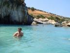 Plaża Xigia - naturalne spa siarkowe na Zakynthos - zimna woda o pięknym kolorze