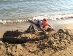 Plaża Gerakas, Zakynthos - miękki piasek idealny do budowy zamków, przy opuszczaniu plaży zamki należało zburzyć, bo w nocy na plażę przychodzą żółwie ...