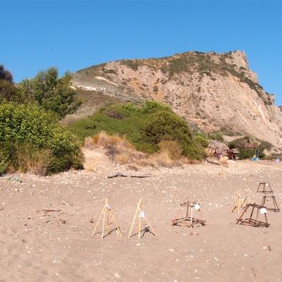 Plaża Dafni - na plaży jest mnóstwo gniazd, w których żółwie Careta Careta złożyły jaja
