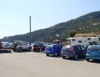 Port Limni Keriou - z tego miejsca warto ruszyć do Grot Keri