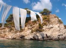 Cameo Islet - plaża z charakterystycznymi płótnami - częsty pocztówkowy widok z Zakynthos