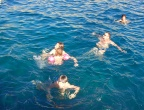 Porto Roxi, Zakynthos - pływanie na głębokiej wodzie, zaraz po skoku