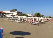 im dalej od centrum Laganas tym ładniejsza plaża i tym luźniej położone są hotele